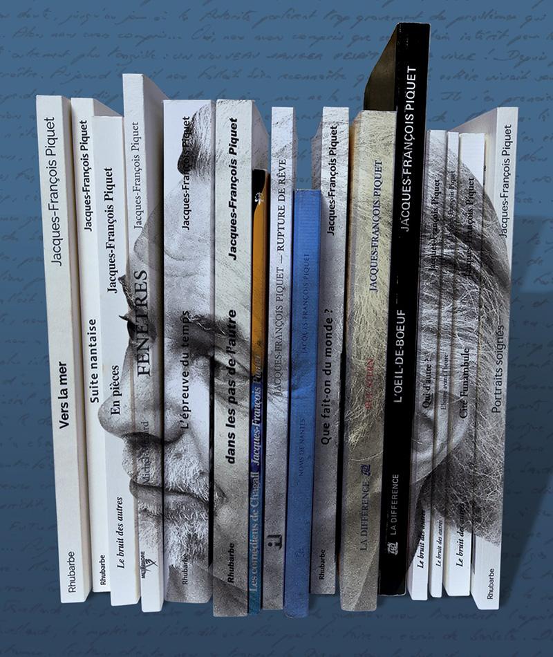 Profil de JFP en surimpression sur la tranche de ses ouvrages.