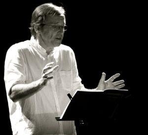 Marc Roger en lecture